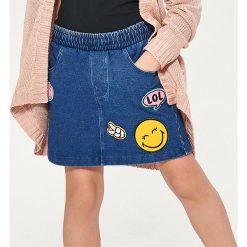 Spódniczka z naszywkami smiley world - Niebieski. Niebieskie spódniczki dziewczęce Reserved, z aplikacjami. Za 39,99 zł.