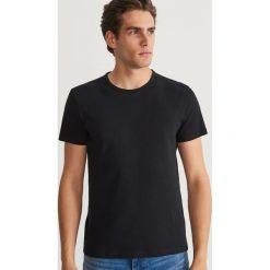 Gładki T-shirt - Czarny. Czarne t-shirty męskie Reserved, l. Za 49,99 zł.