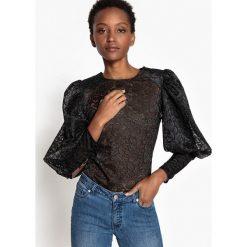 Bluzki asymetryczne: Koronkowa bluzka z długimi, bufiastymi rękawami