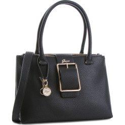 Torebka GUESS - HWBS70 95090 BLA. Czarne torebki klasyczne damskie Guess, z aplikacjami, ze skóry ekologicznej. Za 679,00 zł.