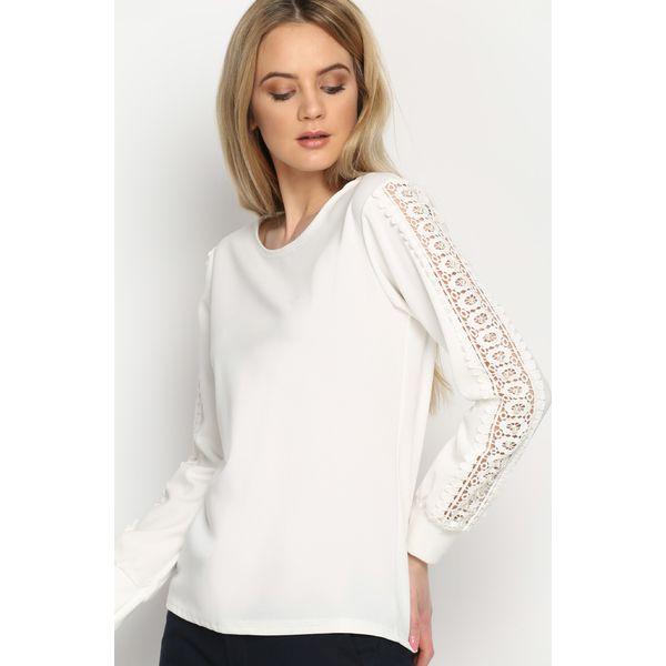 f8f755e932e3 Biała Bluzka Lace Strap - Białe bluzki damskie Born2be