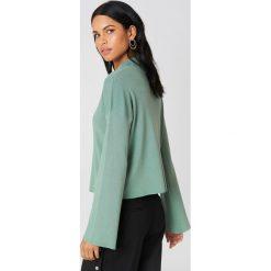 Swetry damskie: NA-KD Sweter z golfem i szerokim rękawem - Green