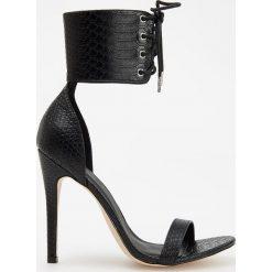 Sandały na wysokim obcasie - Czarny. Czarne sandały damskie marki Reserved, na wysokim obcasie. Za 159,99 zł.