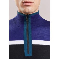 PS by Paul Smith Sweter navy. Niebieskie swetry klasyczne męskie PS by Paul Smith, m, z materiału. W wyprzedaży za 605,40 zł.