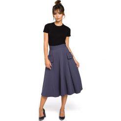 CAMILLE Rozkloszowana spódnica z kieszeniami - niebieska. Niebieskie spódnice wieczorowe marki BE, l, z dzianiny, midi, oversize. Za 119,99 zł.