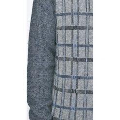 Trussardi Jeans - Sweter. Szare swetry klasyczne męskie marki Trussardi Jeans, l, z dzianiny, z okrągłym kołnierzem. W wyprzedaży za 359,90 zł.