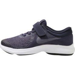 Nike Performance REVOLUTION 4 Obuwie do biegania treningowe neutral indigo/light carbon/obsidian/black/white. Niebieskie buty sportowe chłopięce Nike Performance, z materiału. Za 149,00 zł.