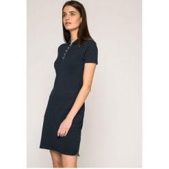 Tommy Jeans - Sukienka. Szare sukienki dzianinowe marki Tommy Jeans, na co dzień, l, casualowe, z krótkim rękawem, mini, dopasowane. W wyprzedaży za 269,90 zł.