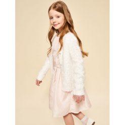 Sweter z ozdobnymi guzikami - Biały. Białe swetry dziewczęce marki Reserved. W wyprzedaży za 29,99 zł.