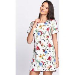 Sukienki: Biała Sukienka Feels Like Summer