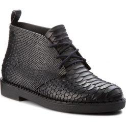 Botki MELISSA - Desert Boot Python + B 32366 Black 01003. Czarne buty zimowe damskie Melissa, z tworzywa sztucznego. W wyprzedaży za 359,00 zł.