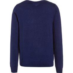 Lacoste Sweter methylene. Niebieskie swetry chłopięce marki Lacoste, z materiału. W wyprzedaży za 263,20 zł.