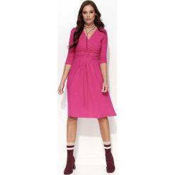 Fuksja Sukienka z Kopertową Górą. Czerwone sukienki dzianinowe marki Lemoniade, na imprezę, z kopertowym dekoltem, z długim rękawem, kopertowe. Za 102,90 zł.