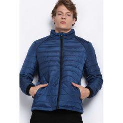 Ciemnoniebieska Kurtka In My Street. Czarne kurtki męskie pikowane marki Born2be, l, z aplikacjami, z dresówki. Za 114,99 zł.