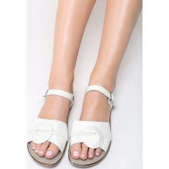 Białe Sandały Falling Water. Białe sandały damskie Born2be, z materiału, na obcasie. Za 69,99 zł.