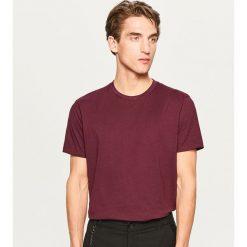 Gładki T-shirt Basic - Bordowy. Niebieskie t-shirty męskie marki Reserved. Za 19,99 zł.
