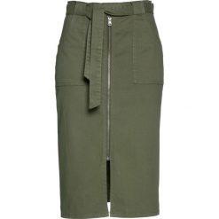 Spódniczka twillowa z wiązanym paskiem bonprix oliwkowy. Zielone spódniczki bonprix. Za 89,99 zł.