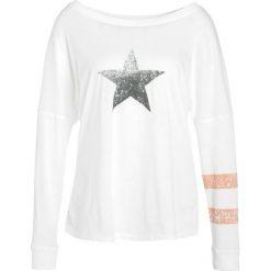 Free People TATE TRIBUTE TEE Tshirt z nadrukiem white. Białe topy sportowe damskie Free People, m, z nadrukiem, z bawełny, z długim rękawem. Za 269,00 zł.