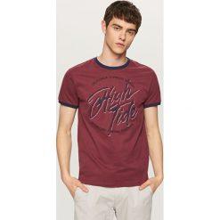 T-shirt z nadrukiem - Bordowy. Czerwone t-shirty męskie z nadrukiem marki Mads Nørgaard, xs, z bawełny. Za 29,99 zł.