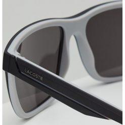 Lacoste Okulary przeciwsłoneczne matte black/grey. Czarne okulary przeciwsłoneczne męskie wayfarery Lacoste. Za 499,00 zł.