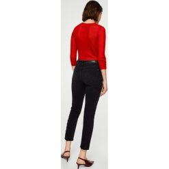 Mango - Jeansy Tachas. Czarne jeansy damskie Mango, z bawełny. W wyprzedaży za 99,90 zł.
