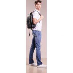 Plecaki męskie: Uri Minkoff BONDI BACKPACK Plecak black