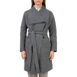 Płaszcz damski 83-9W-102-8. Czerwone płaszcze damskie marki Wittchen, s, z futra, z kapturem. Za 439,00 zł.