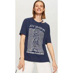 T-shirt JOY DIVISION - Granatowy. Niebieskie t-shirty damskie marki Reserved, l. W wyprzedaży za 29,99 zł.