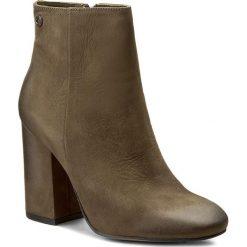 Botki CARINII - B3788 I43-000-PSK-C00. Zielone buty zimowe damskie marki Carinii, z materiału, na obcasie. W wyprzedaży za 249,00 zł.