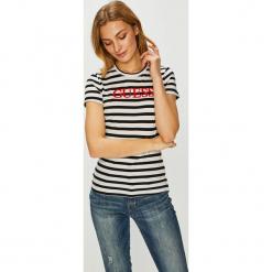 Guess Jeans - Top Laquared. Niebieskie topy damskie marki Guess Jeans, z obniżonym stanem. Za 169,90 zł.