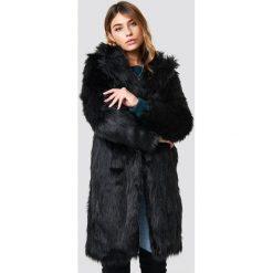 Płaszcze damskie: Linn Ahlborg x NA-KD Płaszcz Long Faux Fur - Black