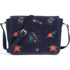 Torebki klasyczne damskie: Skórzana torba na ramię z haftem
