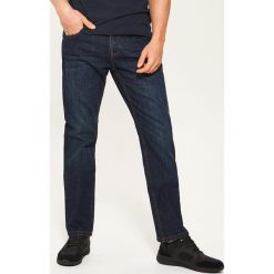 Jeansy regular classic - Granatowy. Czarne jeansy męskie regular marki House, l, z nadrukiem. Za 89,99 zł.