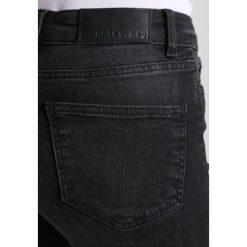 Noisy May NMLUCY Jeans Skinny Fit black. Czarne jeansy damskie marki Noisy May. W wyprzedaży za 125,30 zł.