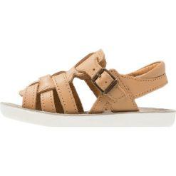 Shoo Pom GOA HECTOR Sandały camel. Brązowe sandały męskie skórzane Shoo Pom, z otwartym noskiem. W wyprzedaży za 173,40 zł.