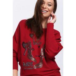 Bordowy Sweter Perfect Day. Czerwone swetry klasyczne damskie Born2be, l, z dekoltem w łódkę. Za 59,99 zł.