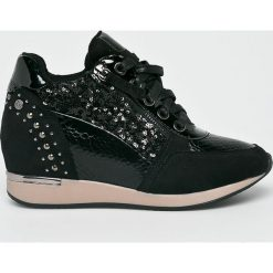 XTI - Buty. Czarne buty sportowe damskie marki Xti, z materiału. W wyprzedaży za 189,90 zł.