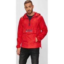 Tommy Jeans - Kurtka. Czerwone kurtki męskie jeansowe marki Tommy Jeans, l, z kapturem. Za 599,90 zł.