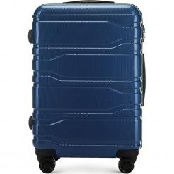 Walizka średnia 56-3P-982-90. Niebieskie walizki marki Wittchen, z gumy, średnie. Za 279,00 zł.