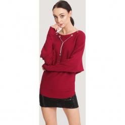 Bordowy Sweter Small Letter. Czerwone swetry klasyczne damskie other, na jesień, l. Za 49,99 zł.