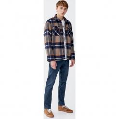 Koszula wierzchnia w kratkę z podszewką. Szare koszule męskie na spinki Pull&Bear, m, w kratkę, z długim rękawem. Za 159,00 zł.