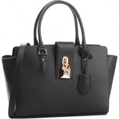 Torebka PATRIZIA PEPE - 2V4912/A4K3-K103  Nero. Czarne torebki klasyczne damskie marki Patrizia Pepe, ze skóry. W wyprzedaży za 1039,00 zł.