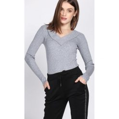 Swetry klasyczne damskie: Szary Sweter Cabin