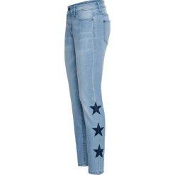"""Dżinsy RELAXED w gwiazdy bonprix jasnoniebieski """"bleached"""". Niebieskie jeansy damskie relaxed fit bonprix. Za 79,99 zł."""