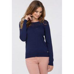 Swetry klasyczne damskie: Sweter w transparentne cętki