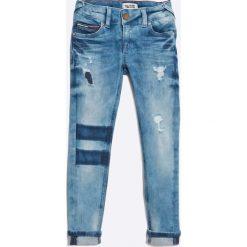 Tommy Hilfiger - Jeansy dziecięce 116-176 cm. Niebieskie jeansy dziewczęce TOMMY HILFIGER, z bawełny. W wyprzedaży za 169,90 zł.