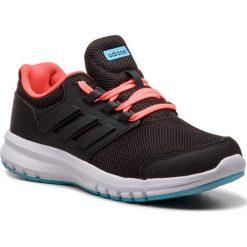 Buty adidas - Galaxy 4 K B75656 Cblack/Cblack/Solred. Czarne buty do biegania damskie marki Adidas, z kauczuku. W wyprzedaży za 159,00 zł.
