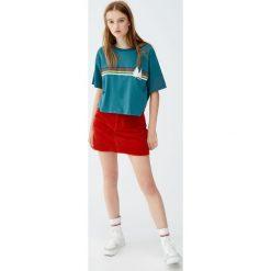 Koszulka z tęczowymi paskami i sosnami. Szare t-shirty damskie Pull&Bear, w paski. Za 49,90 zł.