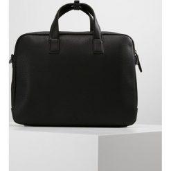 Calvin Klein MULTI TASK P LAPTOP BAG Aktówka black. Czarne aktówki męskie marki Calvin Klein. Za 669,00 zł.
