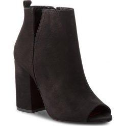 Botki CARINII - B4330 360-000-000-C00. Czarne buty zimowe damskie marki Carinii, z materiału, z okrągłym noskiem, na obcasie. W wyprzedaży za 249,00 zł.
